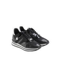 FRANTIC: Sneakers nere in pelle lucida e opaca
