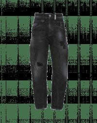 RESOUND: Jeans trattati con toppe e cuciture a