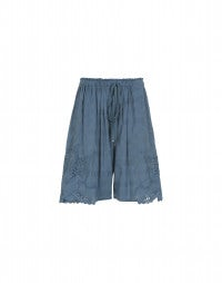 TRUSSEAU: China blue Broderie Anglaise scallop hem shorts