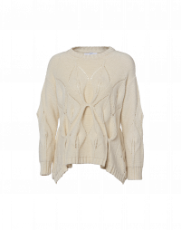 TALENTED: Cream sweater with pointed