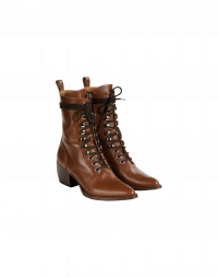 INCITE: Lace up ankle boots in tan leather