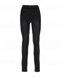 LAY-OUT: Black multi-seam pants