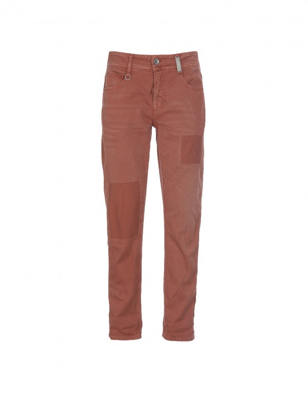 NEW BOY: Pantaloni color terracotta con trattamento