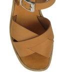 CRISS-CROSS: Sandalo con zeppa marrone chiaro
