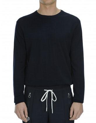 OBSERVE: Ultra-light wool navy sweater