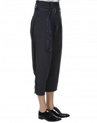 FLUENT: Pantaloni gessati con cravatta