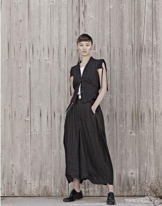 HOOCH: Pantaloni ampi gessati neri con forma curva