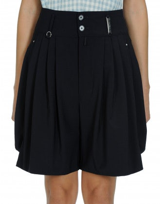 LET GO: Navy 4 pleats shorts