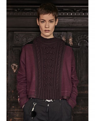 COMPRISE: Burgundy cable cropped hem sweater