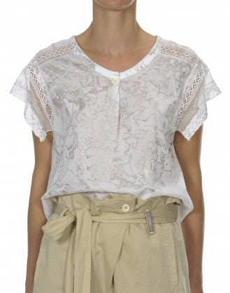 CANDOUR: White t-shirt with lace shoulders and sleeve