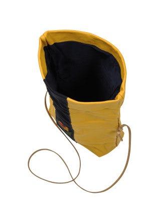 CHARMING: Borsa a sacchetto in pelle color calendula