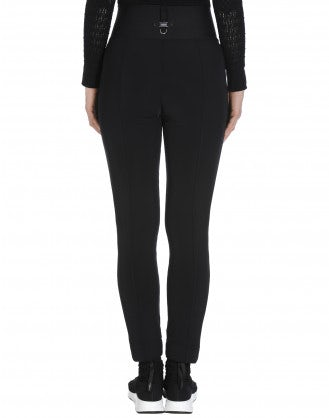 MINIMALIST: Black pant with velvet