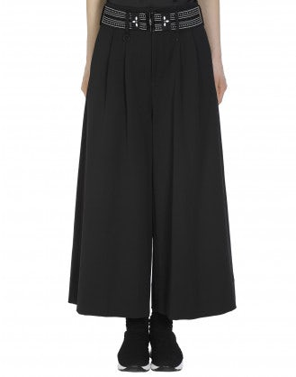 RAKU: Black flared and cropped pant