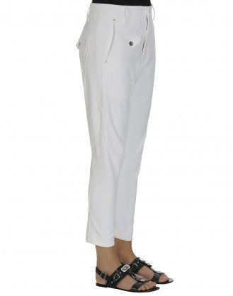 IN-MOTION: Tapered leg pant in plain white