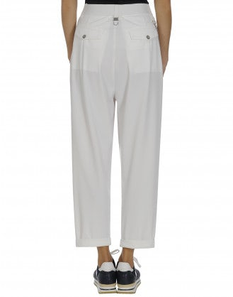 HASTEN: White pleated front pant