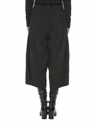 CREATIVE: Black Sensitive® curve seam pants
