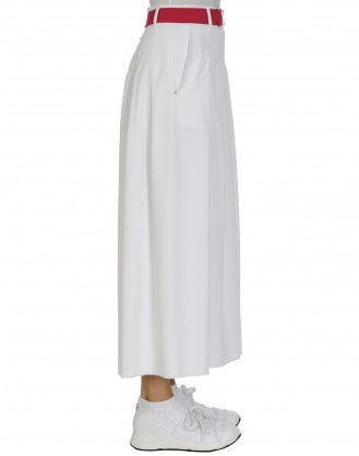 COMMEND: White tech piqué skirt-pant