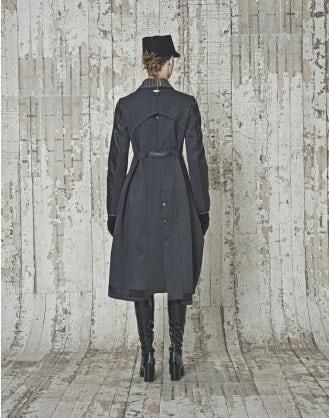 LITERATE: Cappotto in neoprene con eco pelle