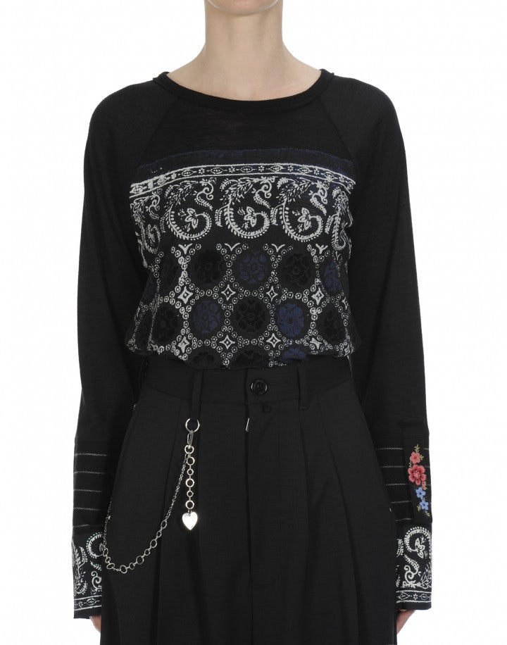 MURAL: Wide neck top in black jersey with white and navy geometric print