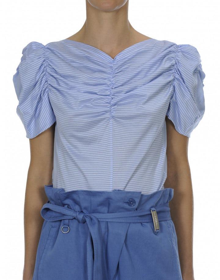 LYRICAL: Top in jersey rigato bianco e blu chiaro con arricciature