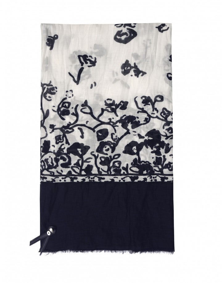 SCENARIO: Sciarpa bianca e blu navy con motivo floreale naif