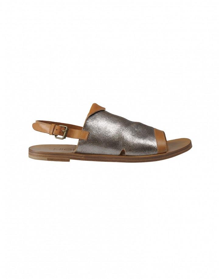 GURU: Sandali in pelle argentata e marrone con punta aperta