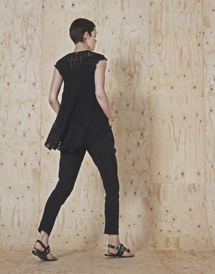 SKIVE: Pantaloni affusolati neri con pannelli multipli