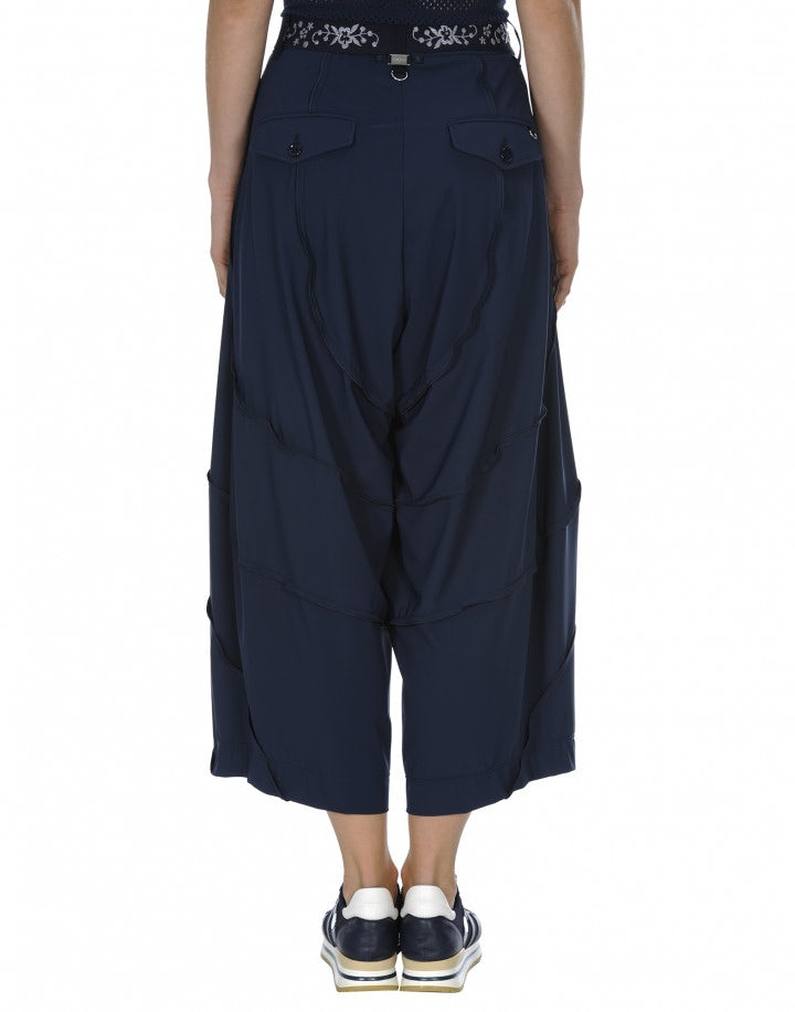 CREATIVE: Pantaloni in Sensitive® blu medio con cuciture curve