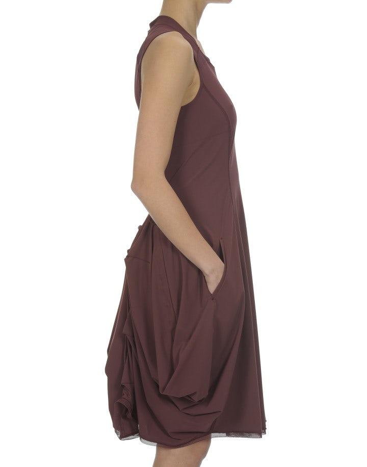 "JESSY: Abito ""waterfall"" in tessuto Sensitive®, rosso borgogna"